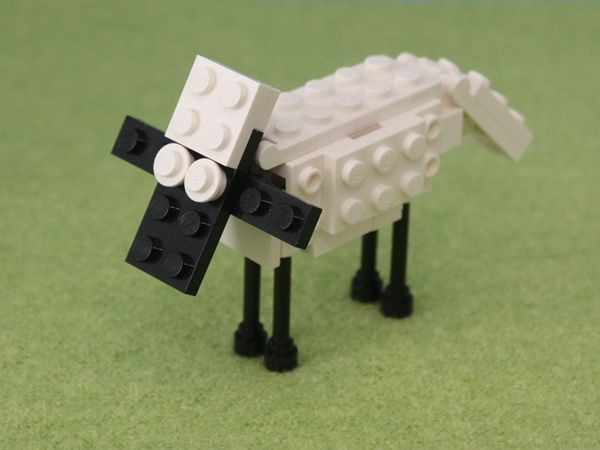 Because it's Shaun, the Wallace and Grommit sheep... in #legos.