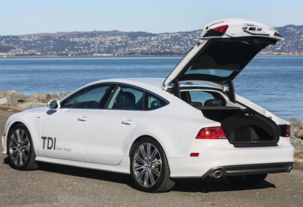 İyi Yönleri Dizel aktarma organları 2014 A7 TDI gibi büyük bir otomobile etkileyici bir yakıt ekonomisi sunuyor. Navigasyon ile entegre Goo...