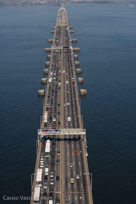 Ponte Rio-Niterói. Rio de Janeiro. Brasil.  www.voerio.com.br - Voos Panorâmicos e Executivos.