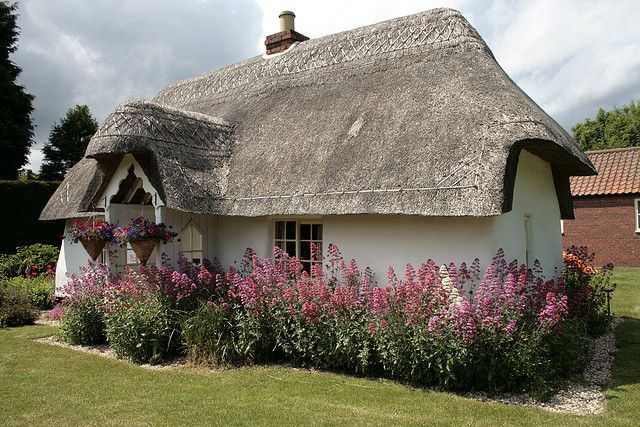 Thatched cottage Fulstow