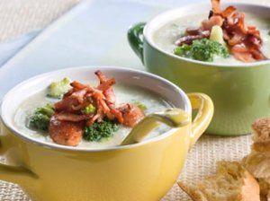 Blomkålsuppe med pølsebiter og brokkoli