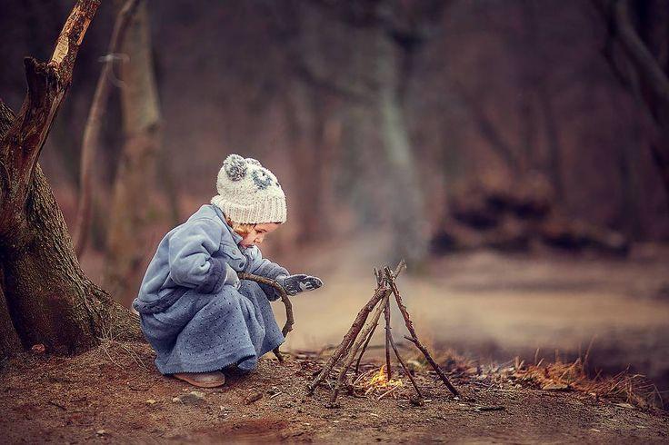 Если зимой нету снега, то можно снимать и так) главное найти местечко!  #лиляипапа #лиля #длямам #цвет #фотосессия #фотостудиякалининград #семейныйфотограф #family #москва #сказка #лето #длядетей #ЮрийКозлов #фотографюрийкозлов #best_children_photo #lilyaipapa #135mm #калининград #девочка #мкюриякозлова #фотографкалининград #семья #папа #детскийфотограф #bicfp #дети #kaliningrad #мальчик #yuriykozlov #сказочныефотографии