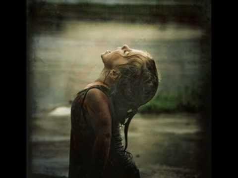 Μάνος Χατζιδάκις - Βροχή ....