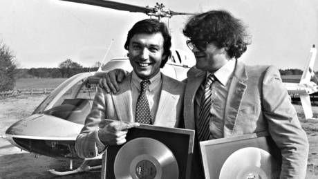 Der Mann besang uebrigens nicht nur die Biene Maja < https://youtu.be/2WMJEGpo6NM >, er vertrat auch Oesterreich 1968 beim #Songcontest: https://youtu.be/v2f7dwkvmcI http://de.wikipedia.org/wiki/Karel_Gott #ESC #Schlager #Musik #music