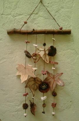 Llamador de ángeles hojas colores. Precio $ 75.