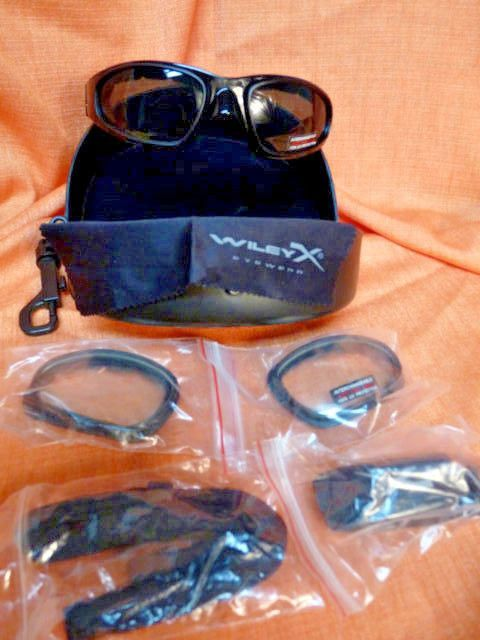 e4a32b588620 NEW Wiley X SG-1 Z87-2 Tactical Sunglasses & Goggles Smoke And Clear Matte  Black #WileyX #Oval