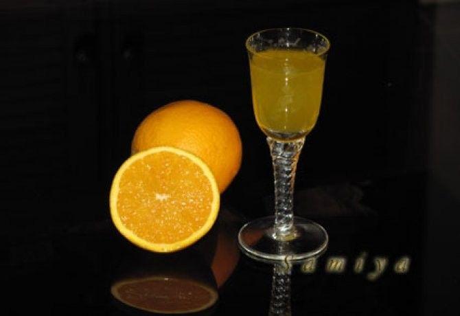 Házi narancslikőr - 2 nap alatt recept képpel. Hozzávalók és az elkészítés részletes leírása. A házi narancslikőr - 2 nap alatt elkészítési ideje: 25 perc