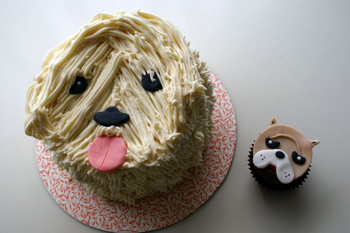 Adorable alert! These dog cakes are too cute.