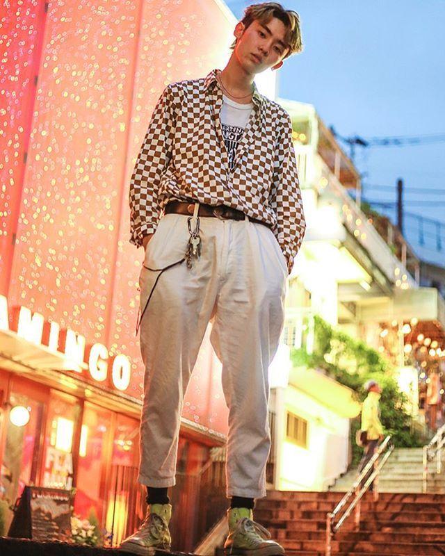 細部にまでセンスが光る美容学生の富永 榛人 @haruto_0210 インパクトのあるネオンイエローのコンバースを履きこなすコーディネイトは早速真似したい. .  http://ift.tt/2sEDgIp . . #nylonjp #worldsnap #streetsnap #streetstyle #streetfashion #snap #tokyo #photography #nobukobaba #fashion #itboy #caelumjp  via NYLON JAPAN MAGAZINE OFFICIAL INSTAGRAM - Celebrity  Fashion  Haute Couture  Advertising  Culture  Beauty  Editorial Photography  Magazine Covers  Supermodels  Runway Models