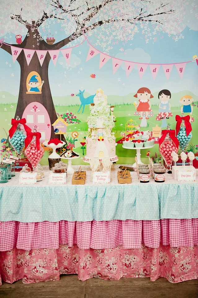 The Magic Faraway Tree party; you have to check out this stunning party!: Party'S, Tablecloth, Table Skirt, Parties, Magic Faraway, Trees, Party Ideas