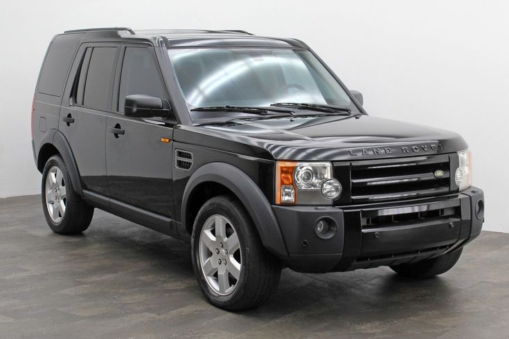 2006 Land Rover LR3 - HSE Sport utility version 2006 Land Rover Lr3 -Third row seating - HSE sport utility- Black- V8, 4.4 liter