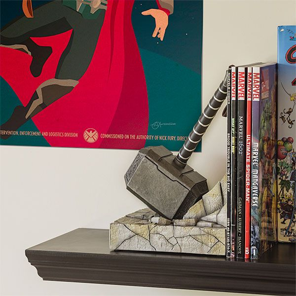 Thor hammer bookend take my paycheck shut up and take my money the coolest gadgets - Dire wolf bookends ...