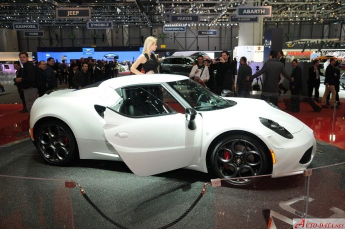 Alfa Romeo 4C - showroom vehicle hq gallery with car images and full technical specifications