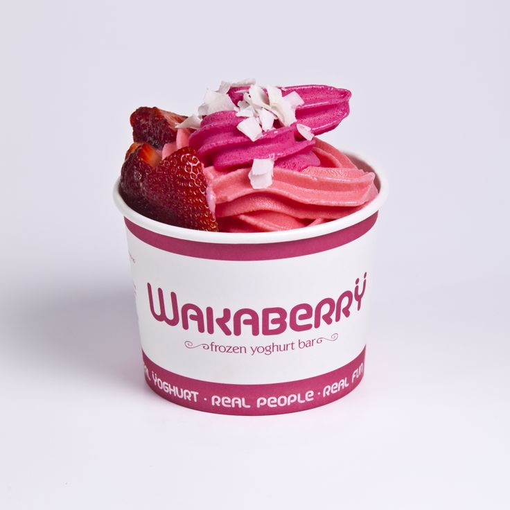 A delicious bowl of Wakaberry Mixed Berry and Strawberry flavored froyo! yum!