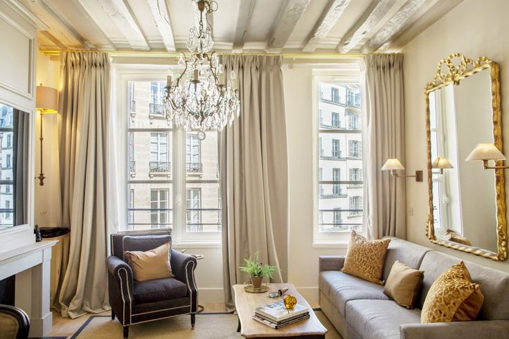 A dreamy 1-bedroom apartment on Place Dauphine  #Paris #placedauphine