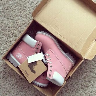 shoes girl timberland boots pink white pastel goth grunge boots pastel pink shoes hipster grunge shoes light pink style winter outfits timberlands boots timberland rose mint timberlands blue
