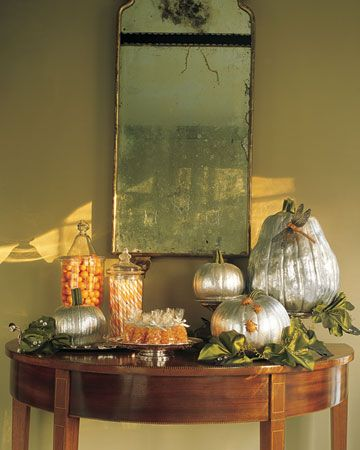 Beautiful entry table w/ spray painted pumpkins!
