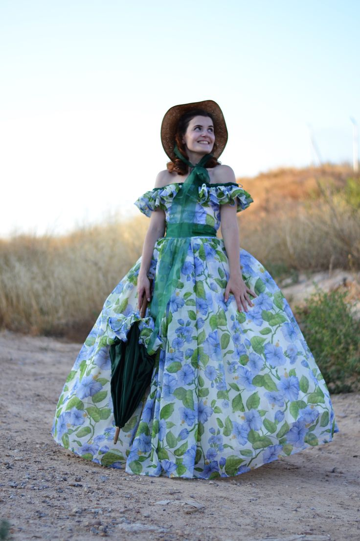 Scarlett O'Hara in gown with umbrella | Scarlett O'Hara Barbecue dress – Sewing Projects | BurdaStyle.com