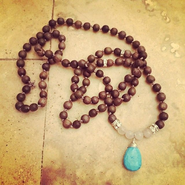How to Make a Yoga Mala - really pretty as a necklace, bohemian style!