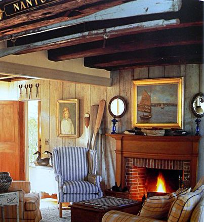 Super cozy living room in a Nantucket cottage.  http://www.completely-coastal.com/2008/11/nantucket-decor-cottage-style.html