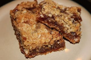 Ree Drummond's Strawberry Oatmeal Bars