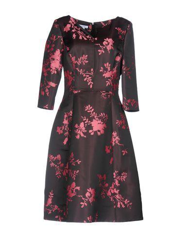 OSCAR DE LA RENTA . #oscardelarenta #cloth #dress #top #skirt #pant #coat #jacket #jecket #beachwear #