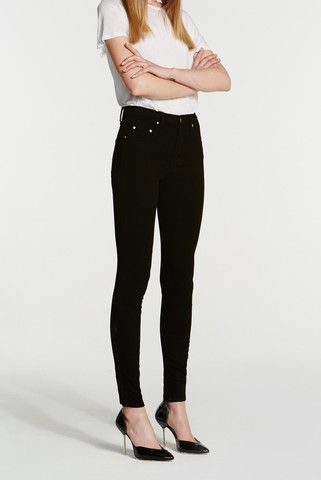 #cultskinny #black  Wardrobe Staple! Skinny fit contours perfectly to your body for a more sculpted silhouette. Long lasting unique soft handle. Suggested to purchase firm on the body.  Weight: 10.5oz Denim: Stretch Composition: 98%Cotton 2%EL Front rise: High Leg Opening: Super skinny from knee to below the ankle Inseam: 79cm