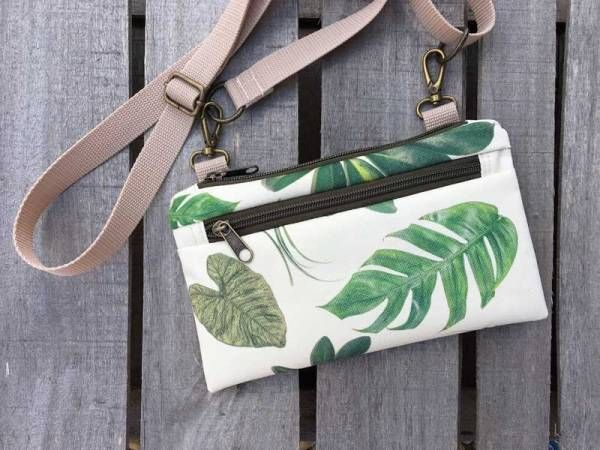 Green Leaf Pattern with Ivory Background