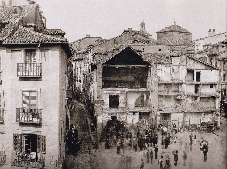 Puerta del Sol in the beginning of the reform, 1857