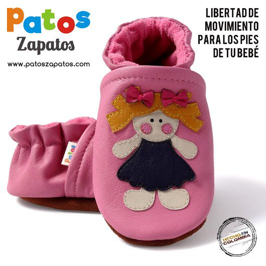 Zapatitos de bebe en piel natural con suela blanda antideslizante. Zapatos para bebe niña. Color Rosado. Diseño muñeca. => https://www.patoszapatos.com/calzado-apto-para-gatear/