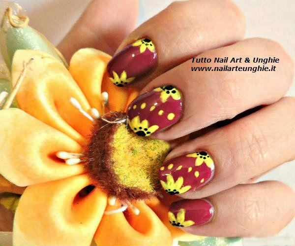 <p>Oggi avevo voglia di utilizzare i colori acrilici e quindi ho pensato ad una nail art con girasole che ci ricordasse un po'l'estate che sta per arrivare. Per realizzare questa decorazione unghie non è necessario avere unghie lunghissime, l'importante è poter usufruire di uno spazio sufficiente per poterci muovere con …</p>