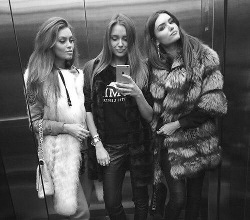 Image via We Heart It #beautiful #blackandwhite #classy #coat #fashion #friends #friendship #fur #girls #luxury #style #women