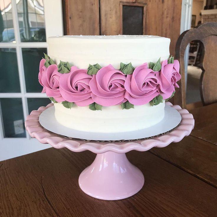 Ein sechs Zoll gesalzener Karamellkuchen für eine Geburtstagsfeier heute! 💞 Ich bin lieb …   – Cakes