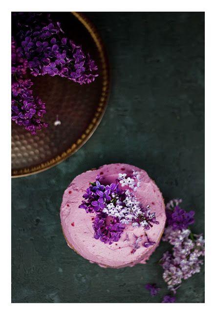Lilac & raspberry cake