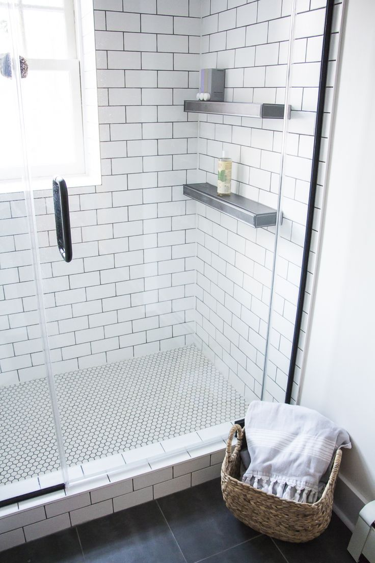 Vintage black and white bathroom ideas - 17 Best Ideas About Black White Bathrooms On Pinterest Bathroom White Subway Tile Bathroom And Subway Tile Bathrooms