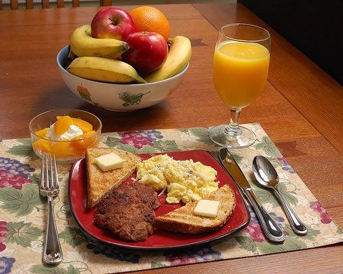Fotos de desayunos romanticos buscar con google el - Preparar desayuno romantico ...