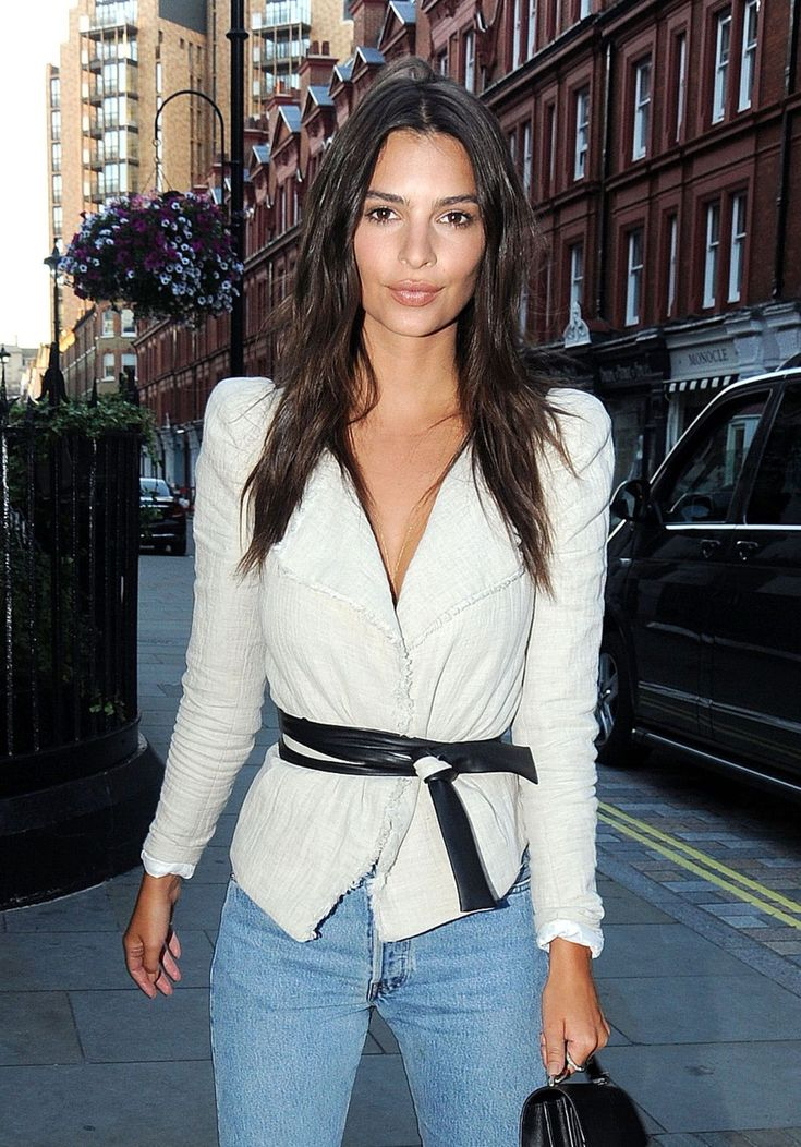 #EmilyRatajkowski, #London, #Style Emily Ratajkowski Style - at the Chiltern Firehouse in London 07/02/2017 | Celebrity Uncensored! Read more: http://celxxx.com/2017/07/emily-ratajkowski-style-at-the-chiltern-firehouse-in-london-07022017/