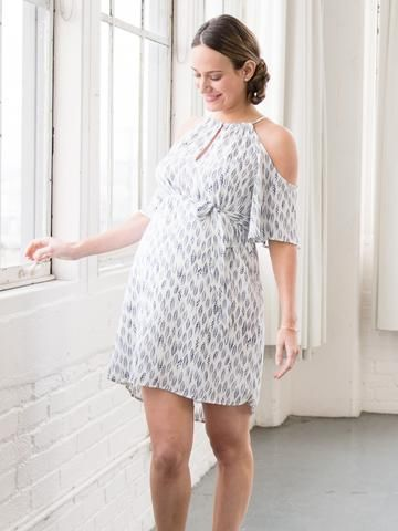 Say 'Hello' to the world of cold shoulders this season.Tie it or don't tie it, sandals, wedges, heels: either way you will feel like a star in this lovely patterned dress! It's light and airy material is perfect for beach get togethers ...