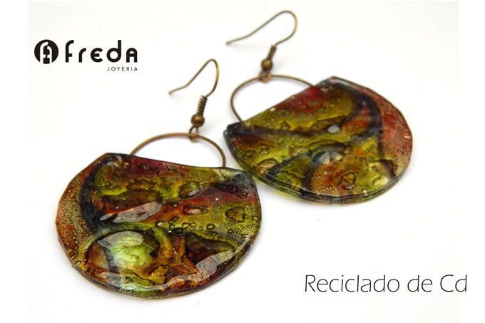 FREDA.Reciclado de cd.  Aros bolcitos