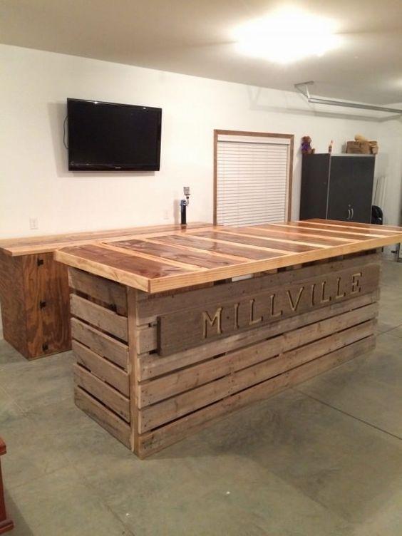 Mobiliario de palets reciclados- Ese mobiliario que convierte algo viejo en algo nuevo con un aspecto único y diferente. Puedes encontrar este tipo de bancos, sillas, mesas y mas con nosotros!