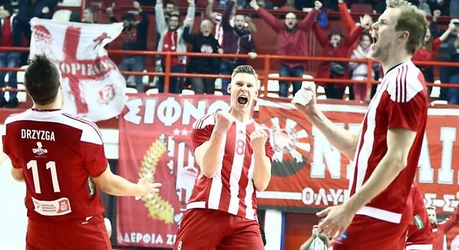 Challenge Cup. 06/12/2017. Γυμναστήριο ''Μελίνα Μερκούρη'' Ρέντη. Olympiakos SFP Piraeus - Tour VB 3-0.