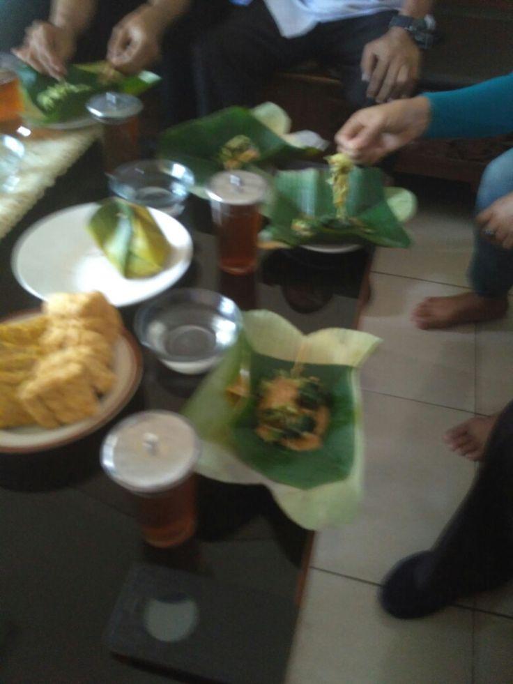 Pecel kesturi tahu tempe menu eyang Putri HMP