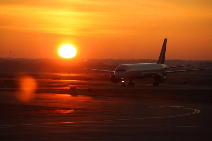 Avião Delta pousando em Atlanta