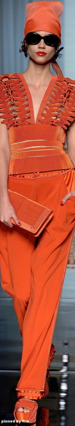 Jean Paul Gautier Spring 2017 Couture l Ria
