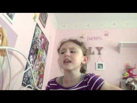 """This Little Girl Changed The Lyrics Of """"Let It Go"""" To """"Let Me Poop"""" And It's Absolutely Hilarious 