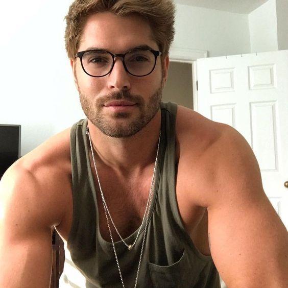 Óculos de grau masculino  32 modelos para se inspirar - MODA SEM CENSURA    BLOG 57dd7ae239