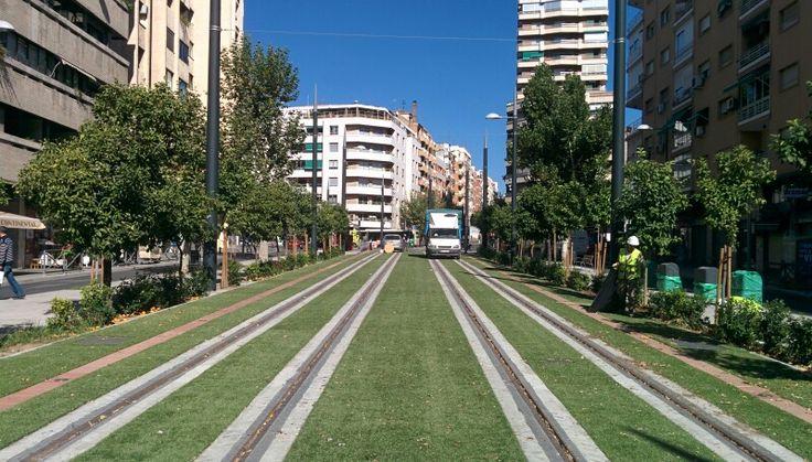 Estado de las vías del metro de #Granada a su paso por Pajaritos, antes de llegar a la estación de tren.