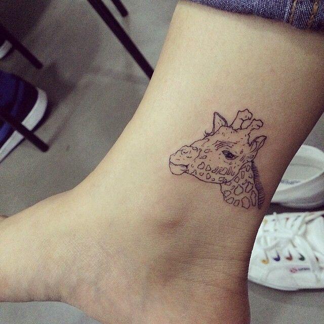 giraffe....line  #hongdam #tattooisthongdam #tattoo #tattoos #giraffetattoo #animaltattoo #ankletattoo #linetattoo #홍담 #타투이스트홍담 #타투 #발목타투 #동물타투 #기린타투 #라인타투