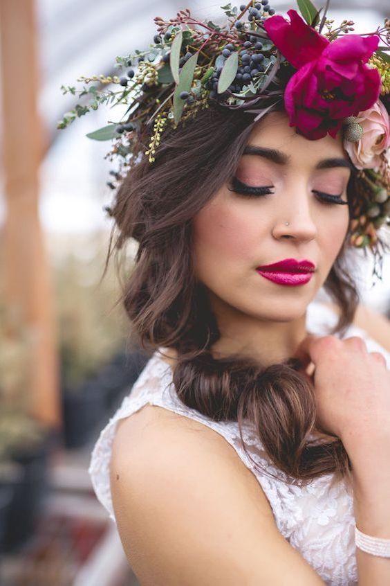 ¿Estás planeando hacer una corona de flores para tu boda? Estos paso a paso te mostrarán con todo detalle como hacerlos fácil y rápido.