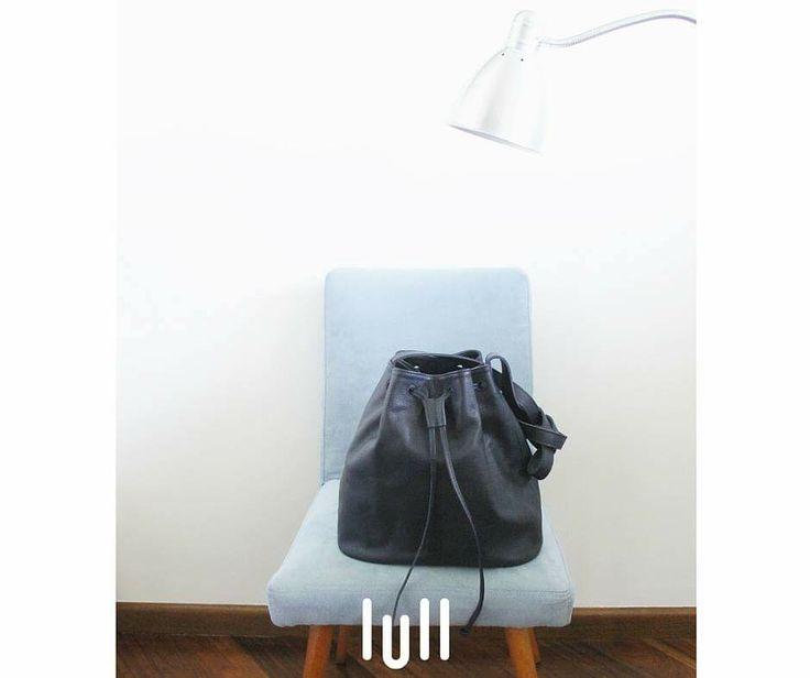 Tuesday color mood  #lullbag #leatherbag #naturleather #bucket #bag #color #navy #blue #italian #leather #ootd #fbblogger #fashion #boho #style #kindsday #madeinpoland #sustainablefashion #leathergoods #lull